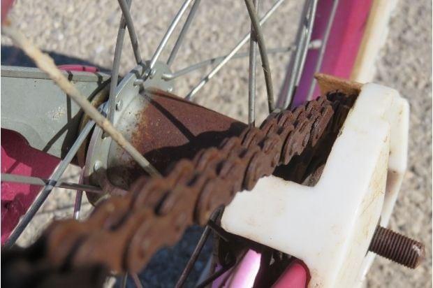 Closeup of a rusty bike chain