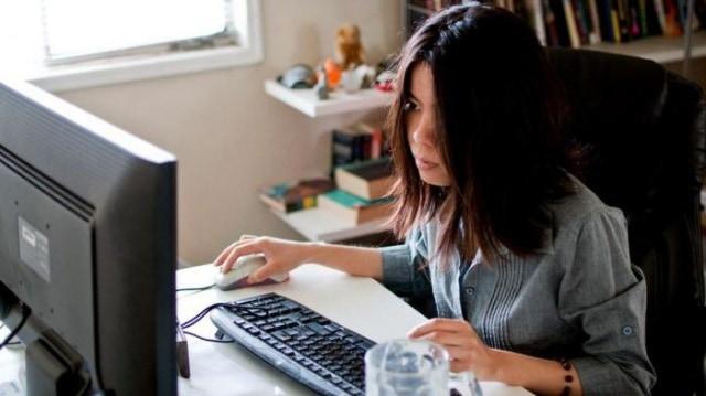 fungsi dan peran website, peran dan manfaat website, peran html pada website, peran karakteristik ubiquiti dalam website e-commerce adalah, peran website, peran website bagi konsumen adalah, peran website dalam bisnis online, peran website dalam organisasi,trademark indonesia, lelang online, 5 Cara Mencari Uang Tambahan untuk Pelajar di Internet