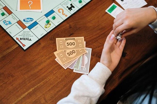Spieleabend - Date-Ideen für wenig Geld