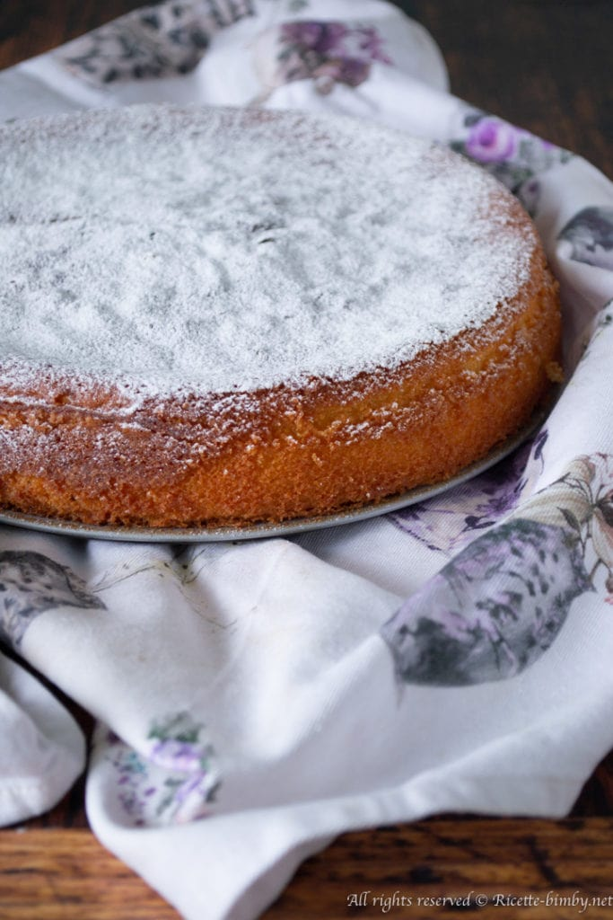 Torta soffice al limone e alle mandorle di Nigella bimby