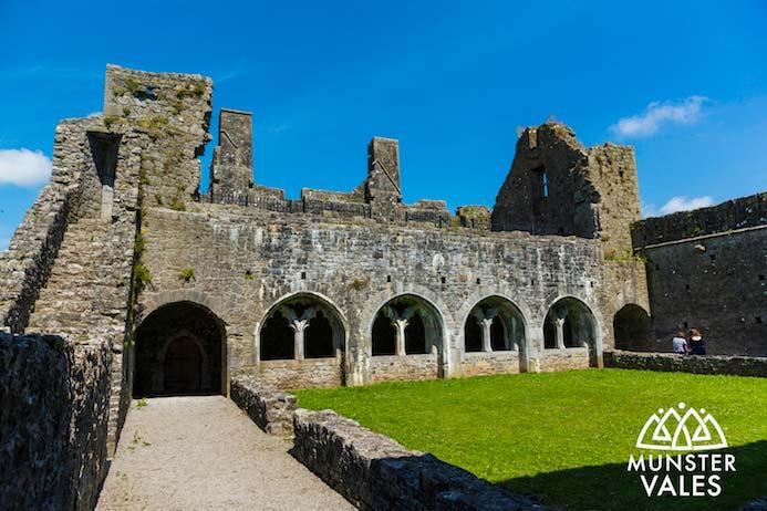 Kilmallock Travel Guide - Klmallock medieval walled town