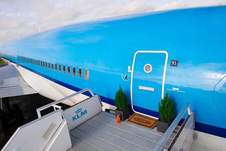 stay-in-a-refurbished-klm-plane-with-airbnb -1