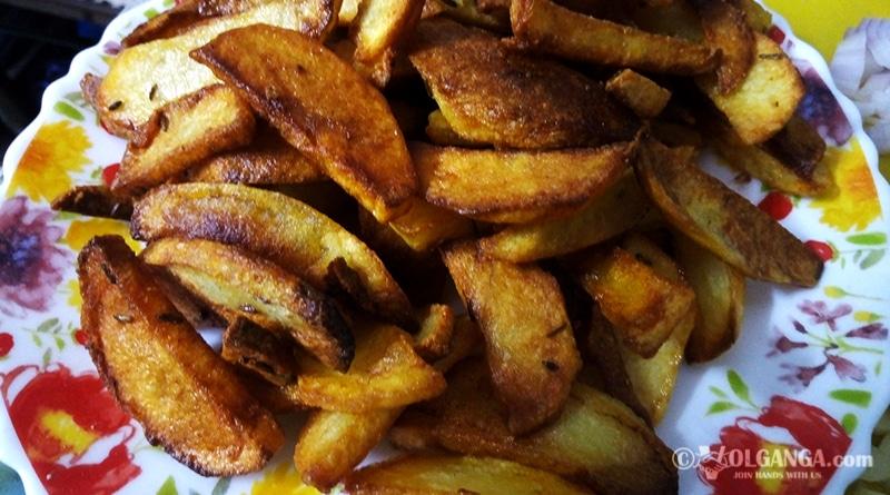 Fried potatoes for chilli potatoes