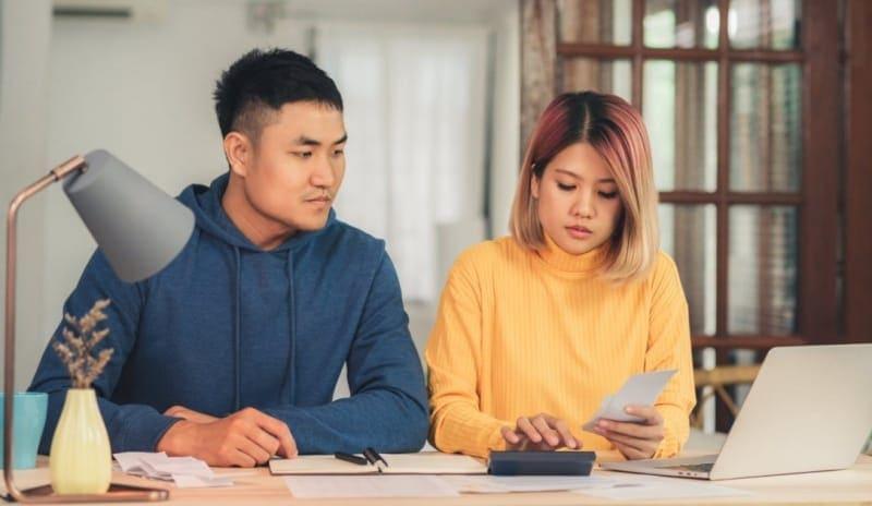 Cara Mengatur Finansial Pasangan Muda