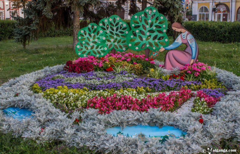 Flowerbed by Rostov municipal district, Yaroslavl, 2016