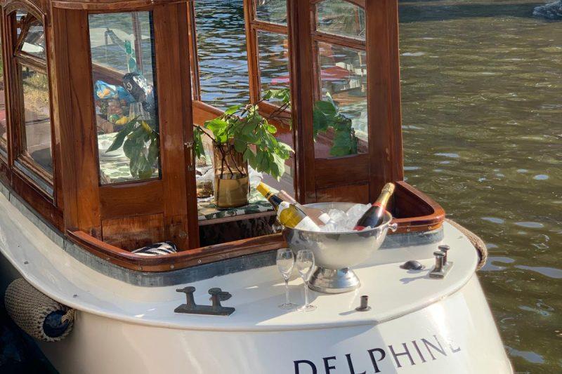 Achterkant Salonboot Delphine