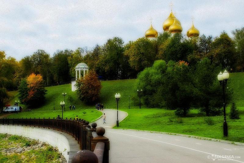 Rotunda - one of the symbols of Yaroslavl, golden autumn 2016