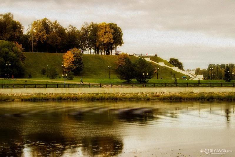View on Strelka from Damasky isle. Golden autumn in Yaroslavl 2016