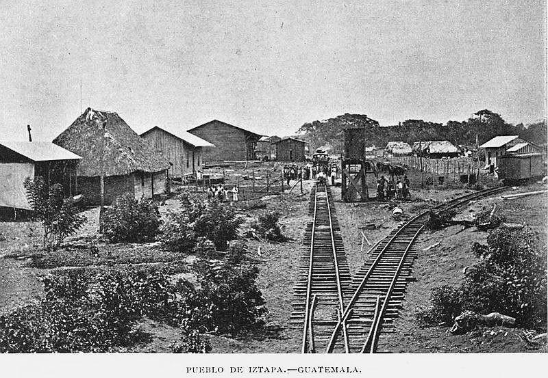 Las vías del ferrocarril entrando en Itzapa