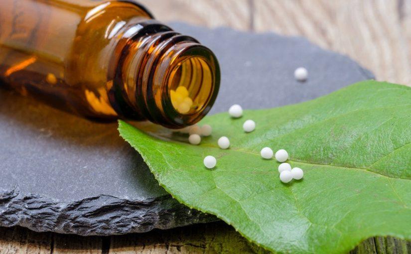 Homeopathie en Indiase kruiden effect op virus onderzocht.