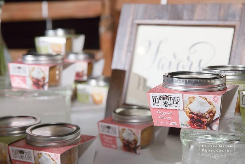 Wedding favors mason jar cherry pie gift ideas