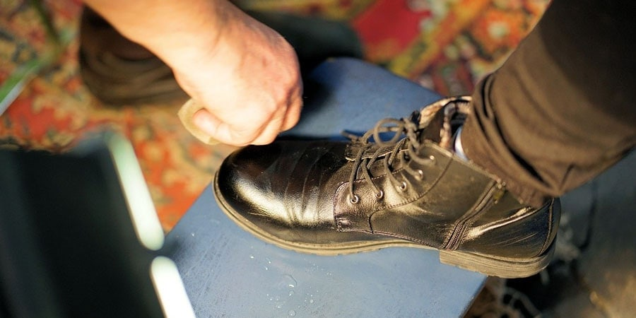 prepare leather for waterproofing