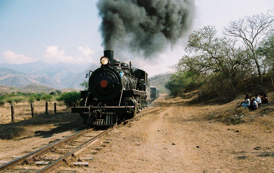 La fascinación de ver pasar el tren