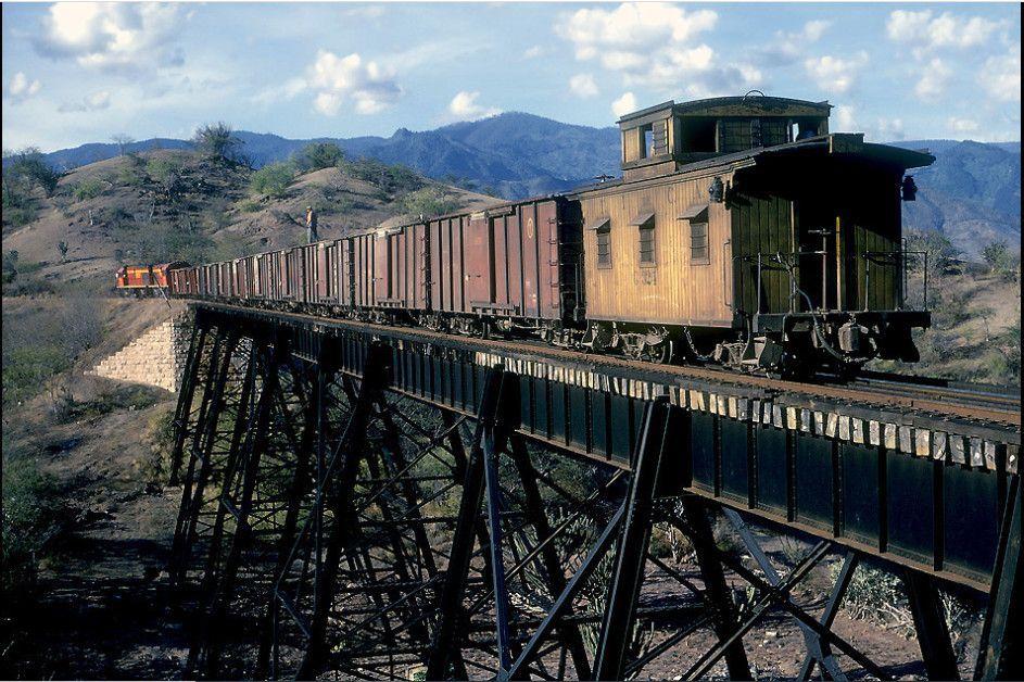 Maquinaria del ferrocarril anticuada