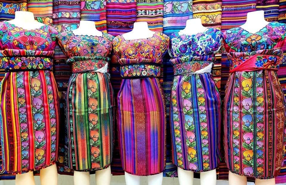 Huipiles y trajes típicos de Quiché