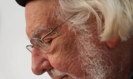 Ernesto Cardenal, padre nicaragüense, poeta e revolucionário, morre aos 95 anos.