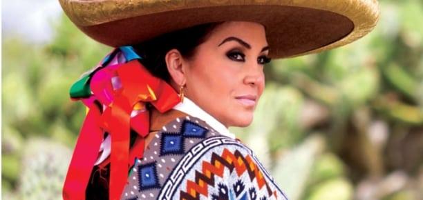 Aida Cuevas + Mariachi Juvenil Tecalitlán <br/></noscript><img class=