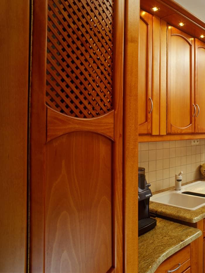 Konyhabútor jól szellőző konyhaszekrénnyel