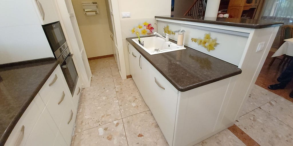 konyhasziget mosogatóval