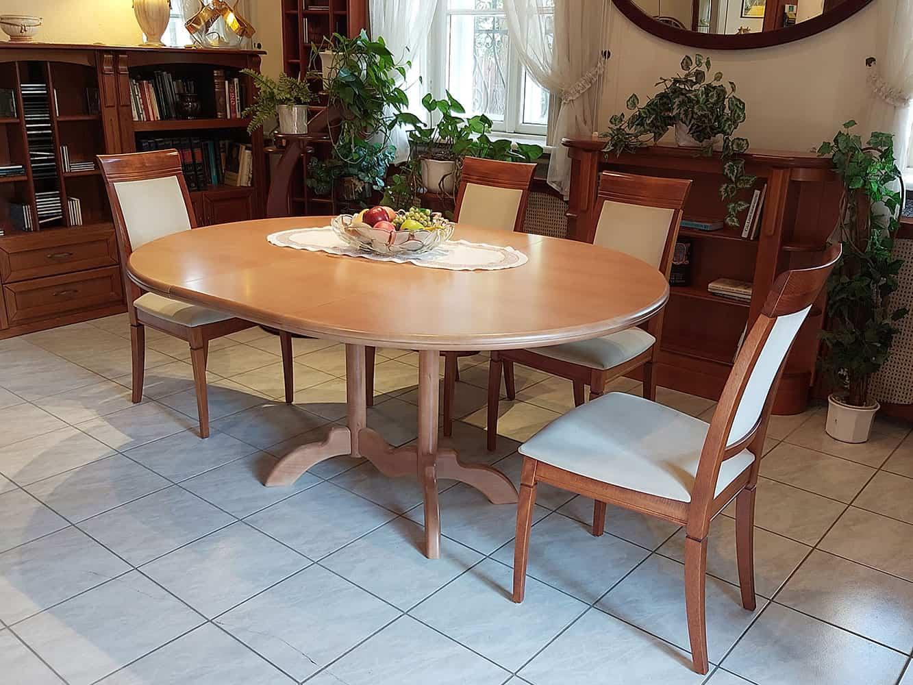 nagyobbítható kerek asztal