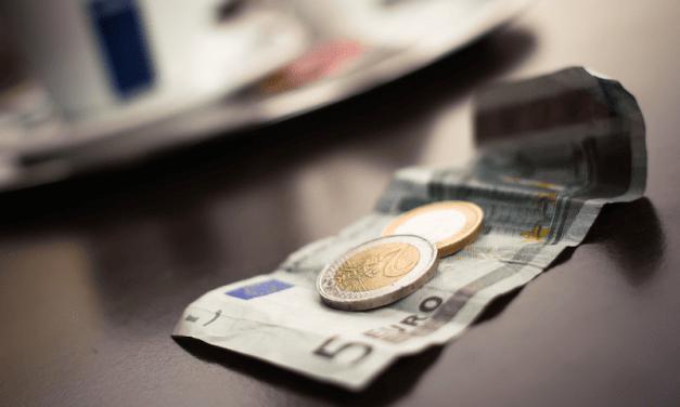 Belastingteruggave voor jongeren bij werk of uitkering