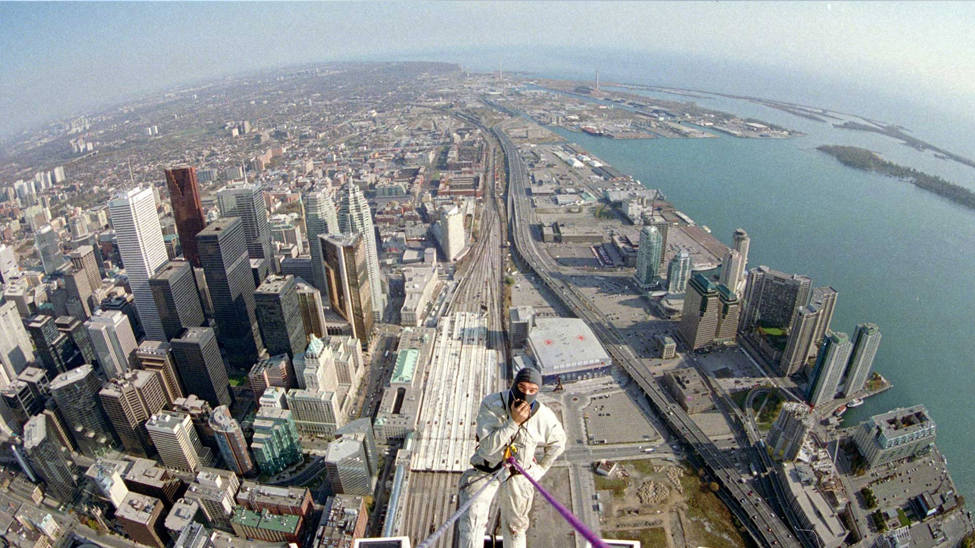 World's First Rope Access Work Above 500 meters