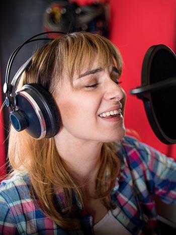 Voice over în limba română