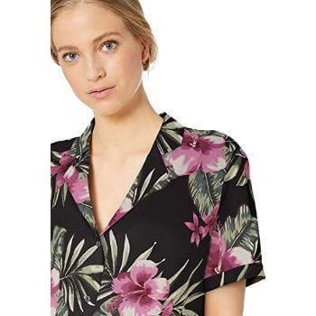 8. Amazon Brand - 28 Palms Women's Loose-Fit 100% Silk Tropical Hawaiian Shirt