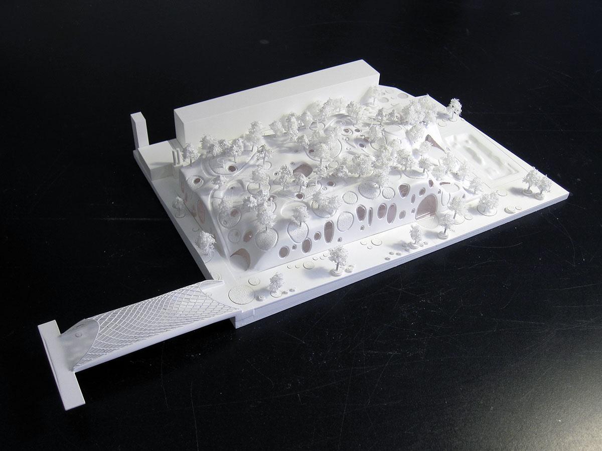 Maquette de la piscine olympique par MVRDV et Explorations architecture à petite échelle