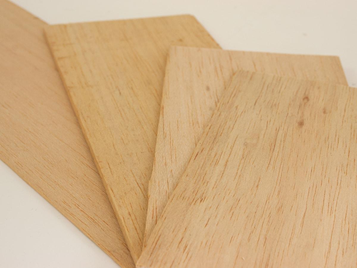 Planches de balsa pour maquette d'architecture