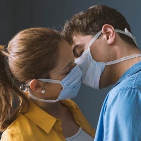 """Coronavirus gör dejting på nätet mer populärt under """"självisolering"""""""