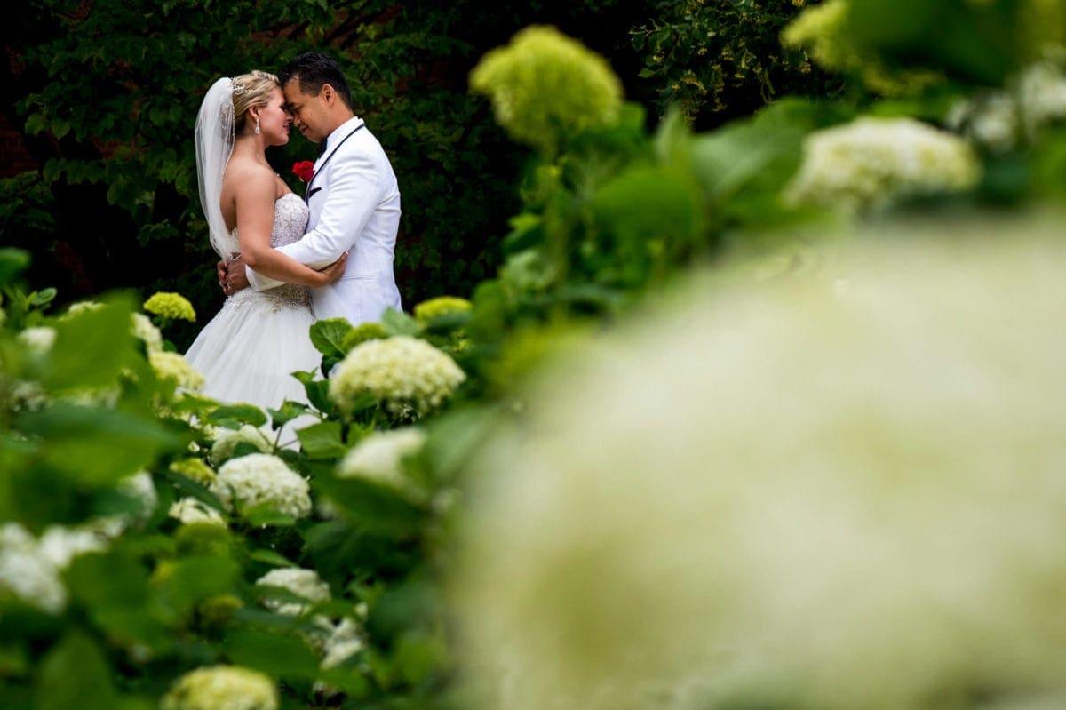 ronan-amanda-005-millenium-library-winnipeg-wedding-photographer-singh-photography