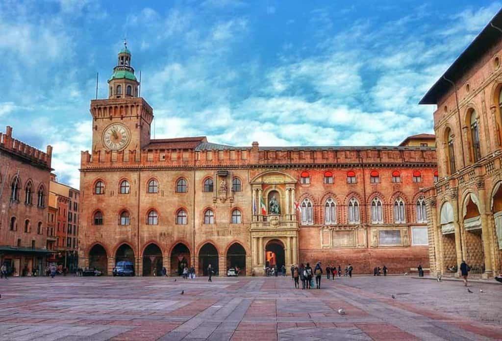 Palazzo Daccursio, Bologna, Italy