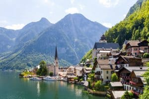 Read more about the article Top 5 Most Beautiful Mountain Cities In Europe