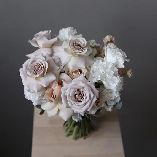Свадебный букет с пепельными розами №943 - Фото 1