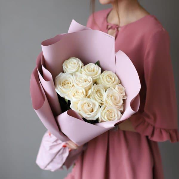 Монобукет из 11 Российских роз в оформлении №1018 - Фото 1