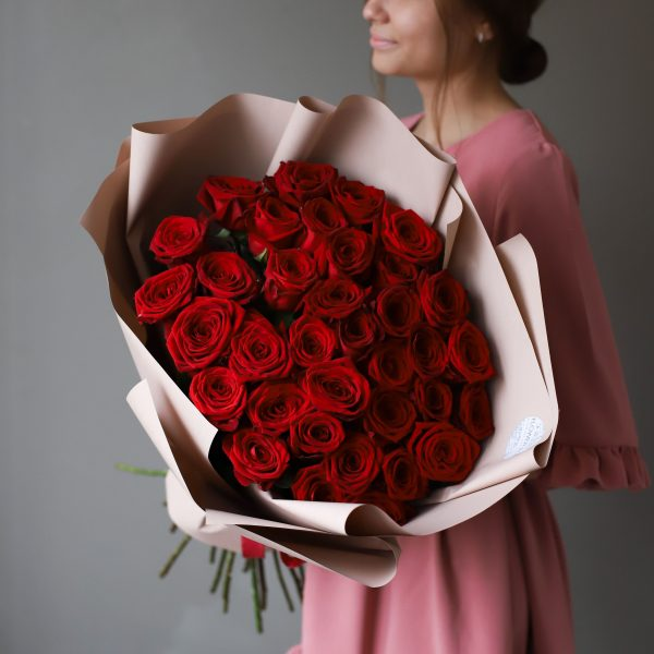 Монобукет из 35 Российских роз в оформлении №1023 - Фото 3