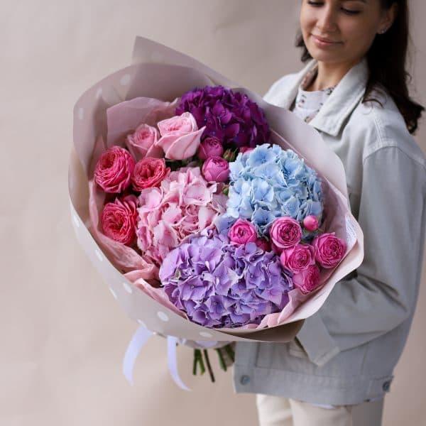 Сборный букет с гортензиями и пионовидными розами №834 - Фото 1