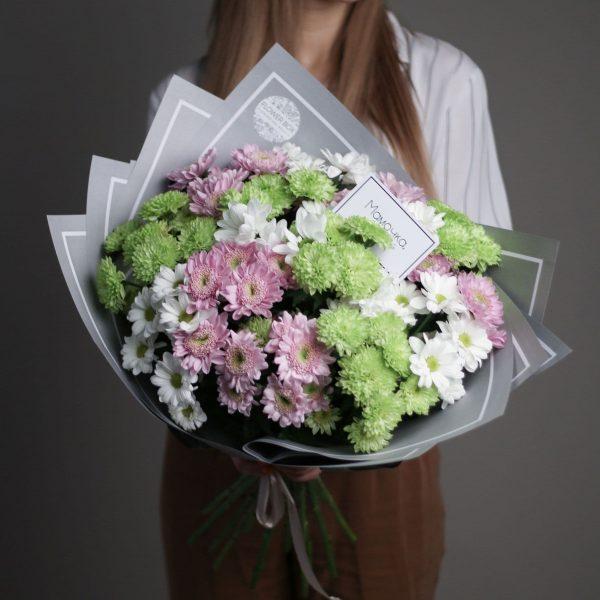 15 кустовых Хризантем микс в сером оформлении №687 - Фото 1