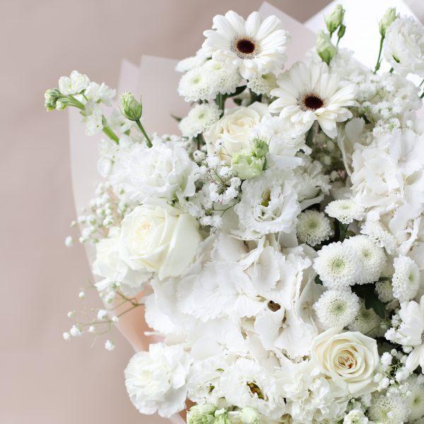Букет в белых оттенках с гортензией №857 - Фото 2