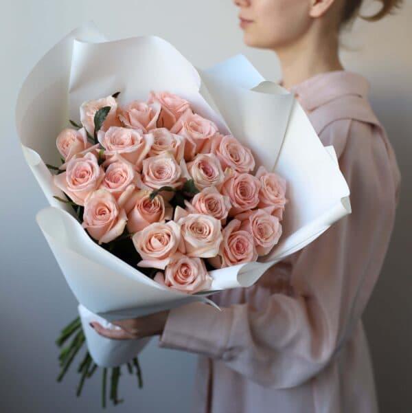 Монобукет из 21 Российских роз в оформлении №1025 - Фото 1