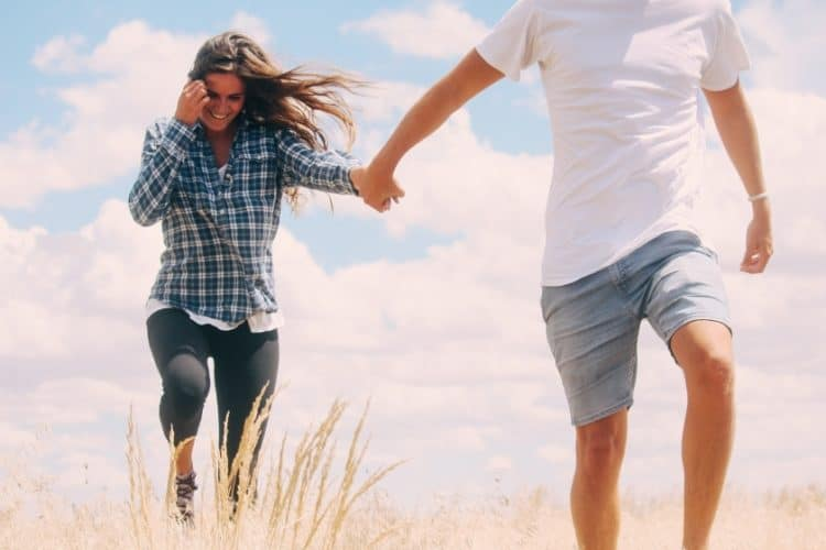 10 Best Things About Long Distance Relationships