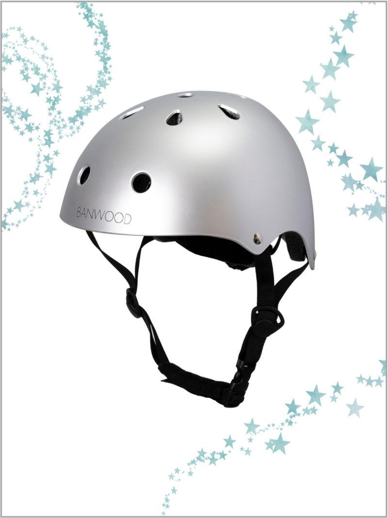 frederickandsophie-kids-lifestyle-banwood-bikes-helmet
