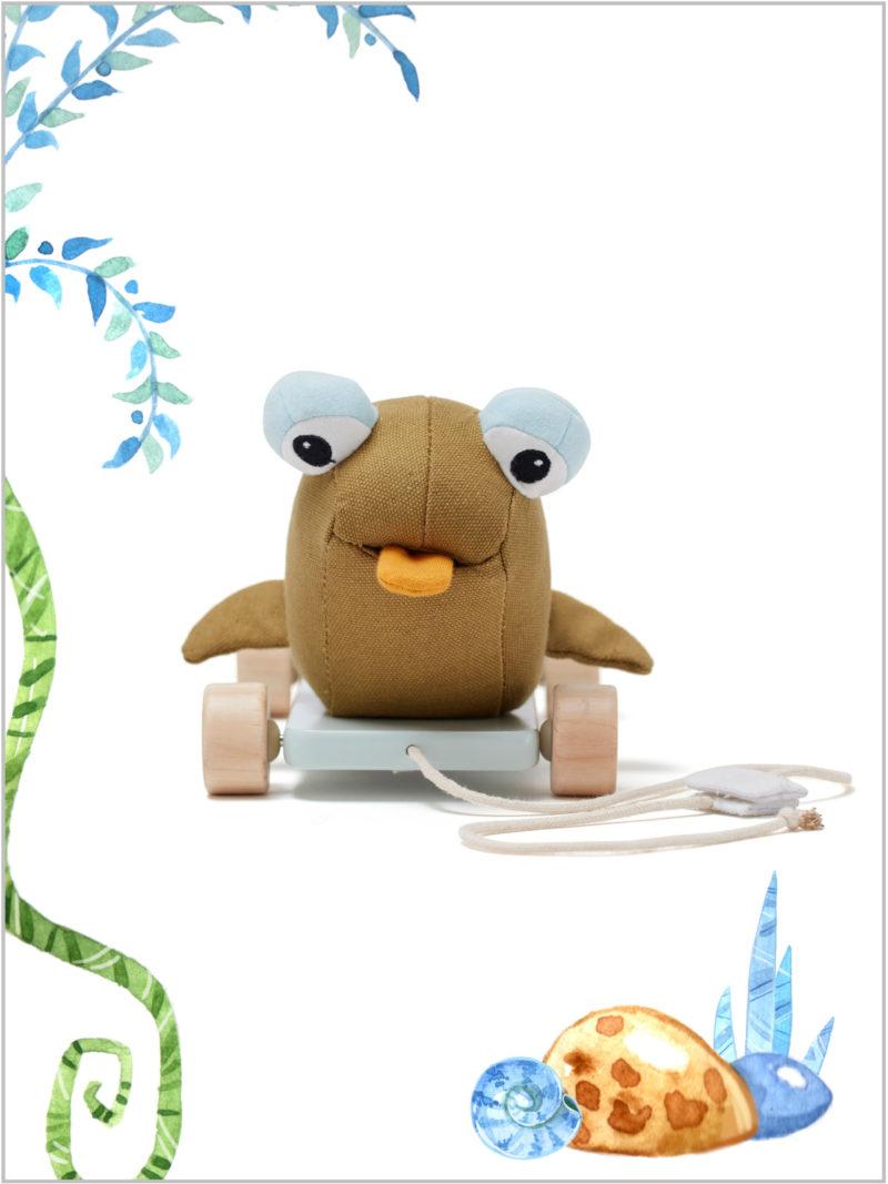 frederickandsophie_kids_toys_kidsconcept_pull-along-Otto-mudskipper-wooden