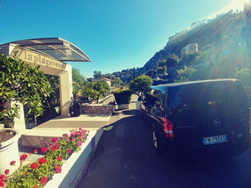 Taxi La Plage resort Taormina