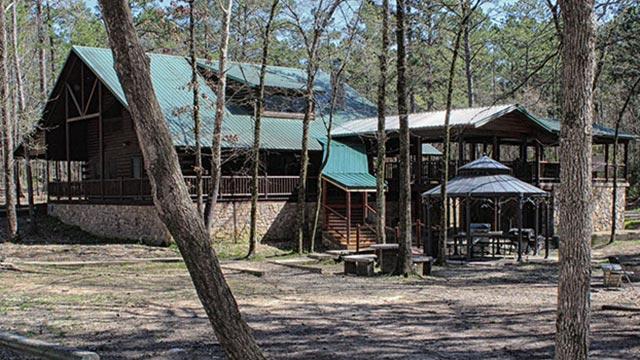 Deer Crossing Lodge