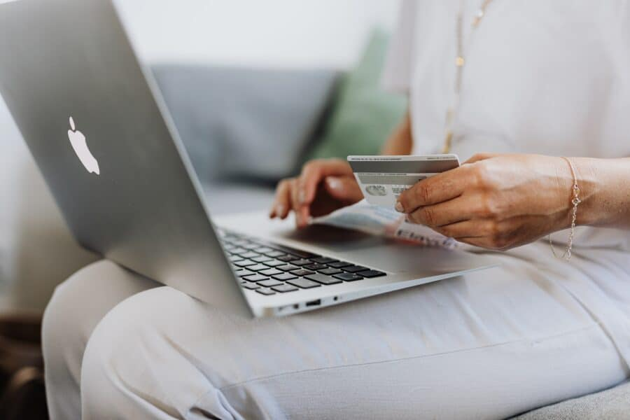 5 Purchases That You Should Pay With Your Credit Card