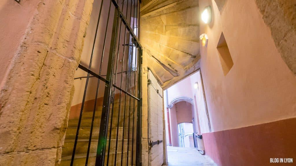 Les traboules du Vieux Lyon - 17 Quai Romain Rolland | Blog In Lyon