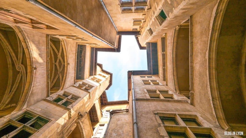 Les traboules du Vieux Lyon - 28 rue Saint-Jean | Blog In Lyon