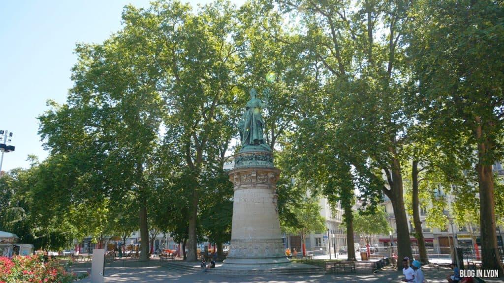 Visiter Lyon – Place Carnot Statue de la République | Blog In Lyon